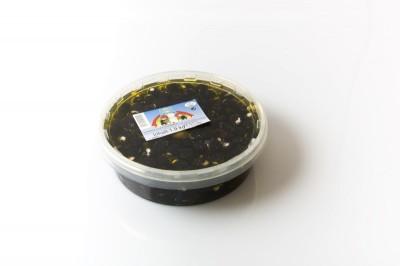 Schwarze Oliven mit Käse   Artikelnummer4250122401049 Verpackungseinheit1,9 kg